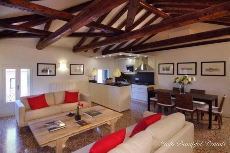 "Charming 2 bedroom ""Dorsoduro Retreat"" - Image 1 - Venice - rentals"