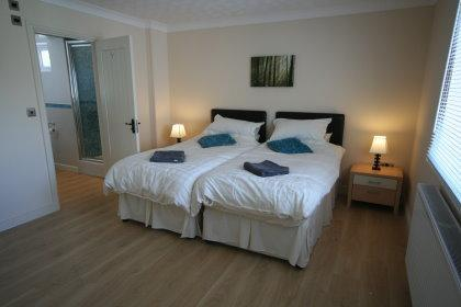 Port Eynon Beach Cottage - Image 1 - Swansea - rentals