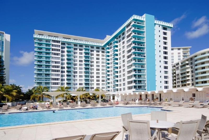 Seacoast Suites Swimmimg Pool - Seacoast Suites - Miami Beach - rentals