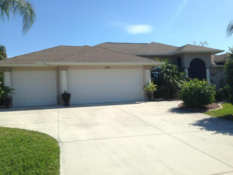 Waterfront pool home with spa- lovely, picturesque - Image 1 - Port Charlotte - rentals