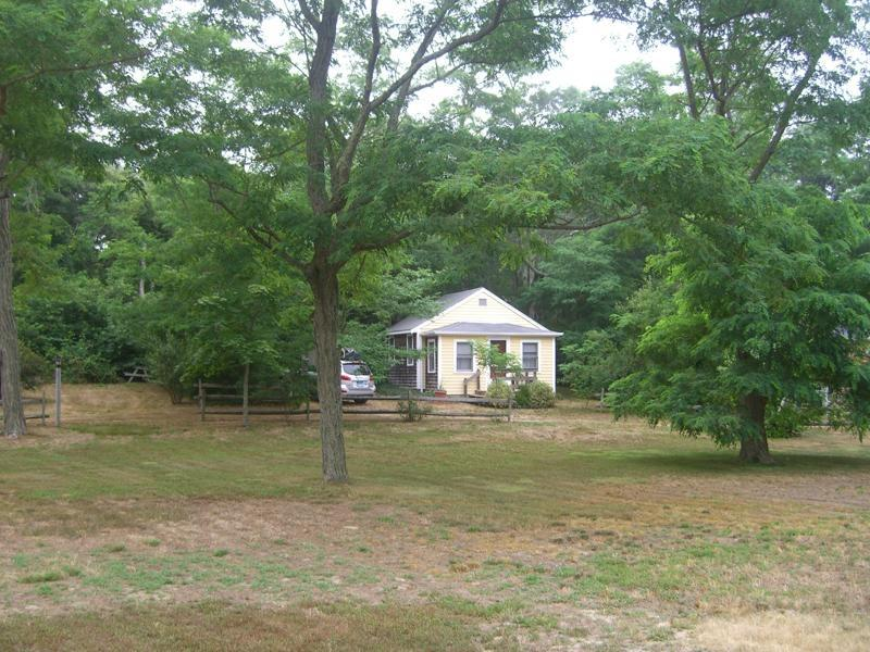 Cottage front - Clean & cozy cottage near bike trail & bay beaches - Eastham - rentals
