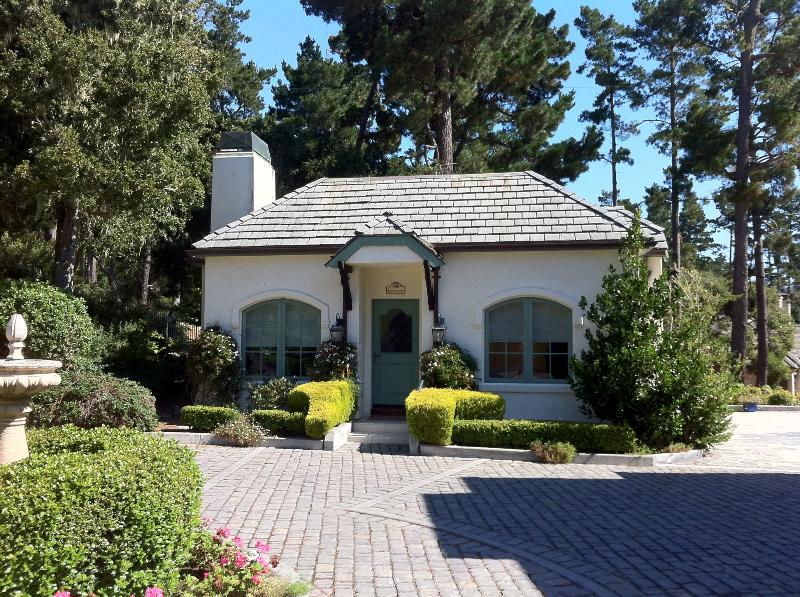 Front of Cottage - Charming Pebble Beach Cottage - Pebble Beach - rentals