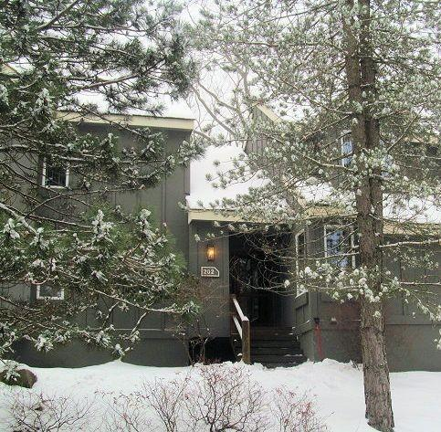 202 Snowridge Village~2 Bedroom~Walk to slopes~7 - Image 1 - White Haven - rentals