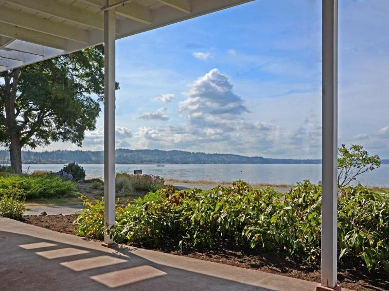 Our favorite place to be - Stardust Beach Bungalow on the Puget Sound - Bainbridge Island - rentals