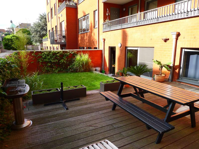 Spacious private garden + terrace (70 m²) - City centre 2BR w. garden+terrace - Brussels - rentals