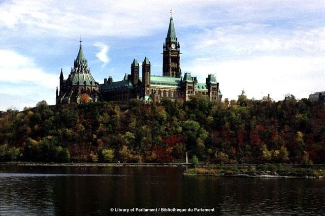 Parliament Hill Ottawa, the Federal Government of Canada - Outaouais Rivermead Park House,  Capitol of Canada - Gatineau - rentals
