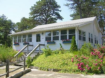 Front view among the roses - Main House at Brownies cabins - Wellfleet - rentals