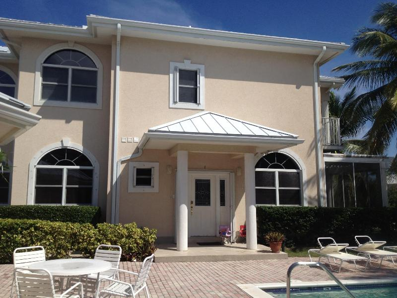 Front Entrance - 3 Bedroom + Den Townhouse at Olivia's Cove (SMB) - Grand Cayman - rentals