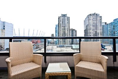 Bright Studio in  Yaletown! YPT2-0703 Min 5 Days - Image 1 - Vancouver - rentals