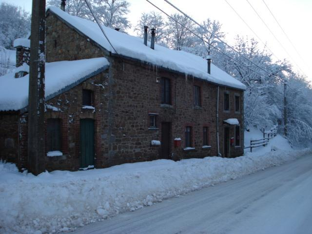 "The House in Winter - ""La Grenouille Verte"" in the Belgian Ardennes - Aywaille - rentals"