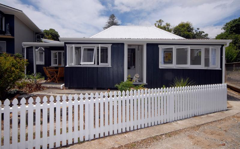 Mabels, an 1860's cottage on the waterfront - Mabels Cottage in Mangonui, Northland - Mangonui - rentals