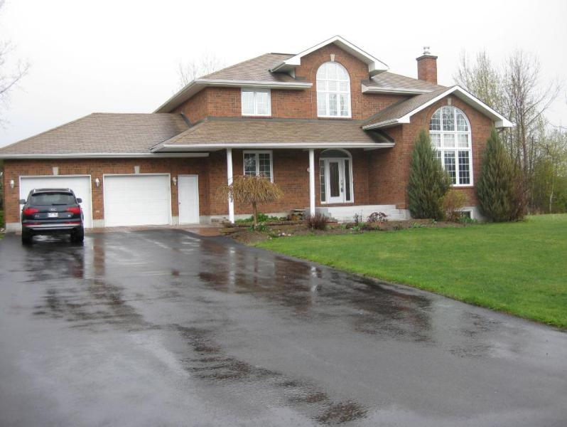 Front of the house - Capitol Vacation House - Aylmer Villa - Gatineau - rentals