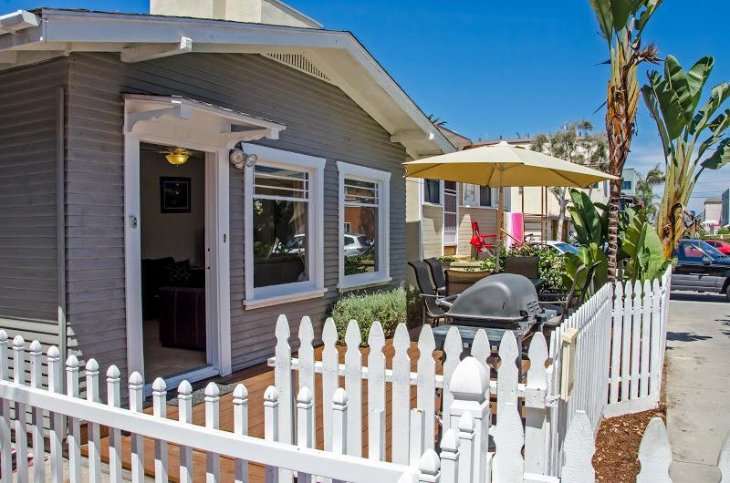 ***Charming Mission Beach COTTAGE*** - Image 1 - Mission Beach - rentals