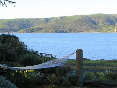 Barracca on the Bay waterfront views, lounge in the hammock to reboot your soul. - Waterfront Lodge Home - Point Reyes Station - rentals