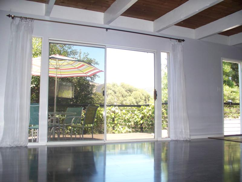MALIBU, Canyon Cottage, adorable remodeled 2 bed - Image 1 - Malibu - rentals