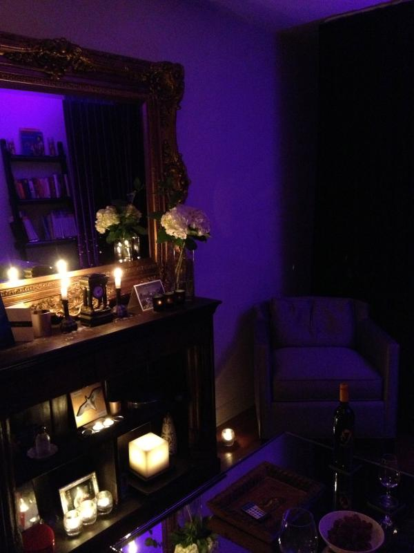 Sitting area with LED Mood lighting - Heart Of Trendy Plateau Area Of Montreal - Montreal - rentals