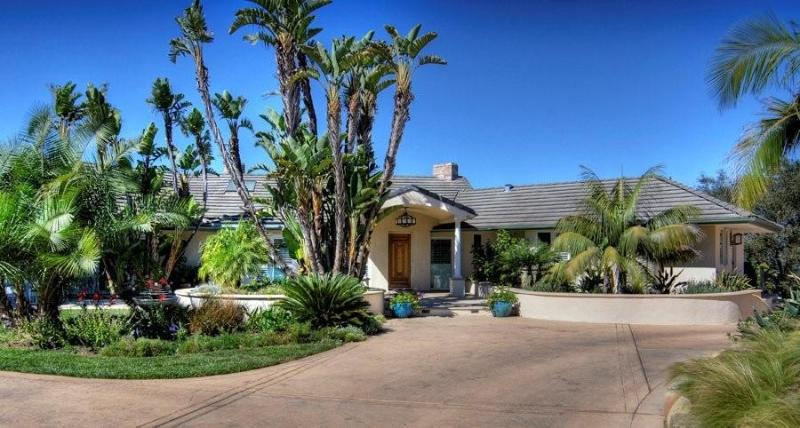 Front Entry - Beautiful Gated 2 Acre Estate - Stunning Views! - Santa Barbara - rentals