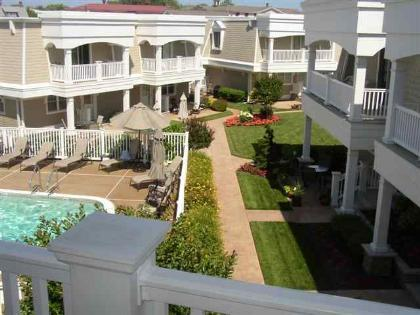 Lovely garden complex with pool - Walk to the Beach or the Pool! - Cape May - rentals