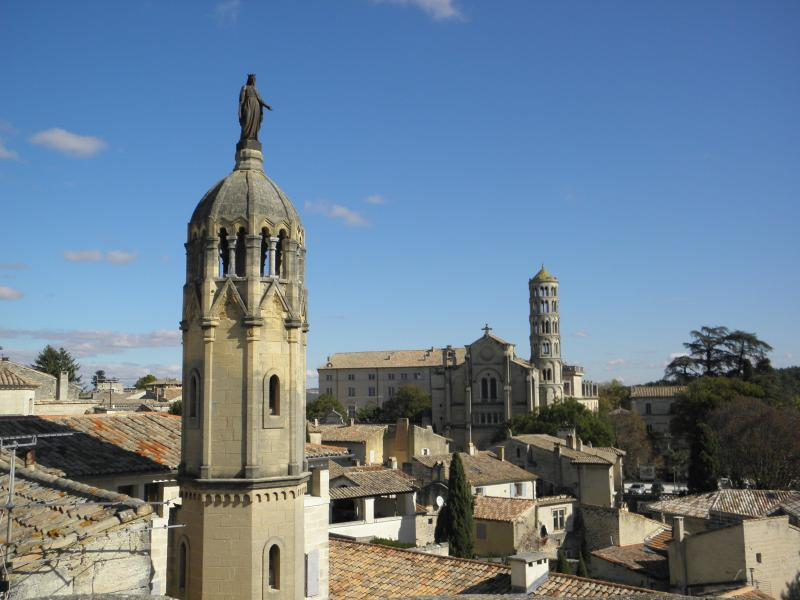 Uzès, France Apartment with Panoramic Views - Image 1 - Uzes - rentals