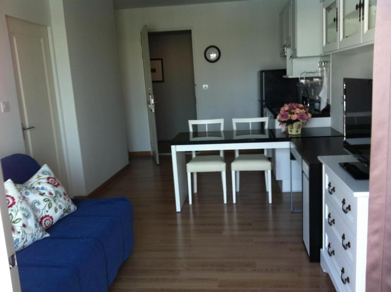 New! Next to BTS Right in the Heart of Siam - Image 1 - Bangkok - rentals