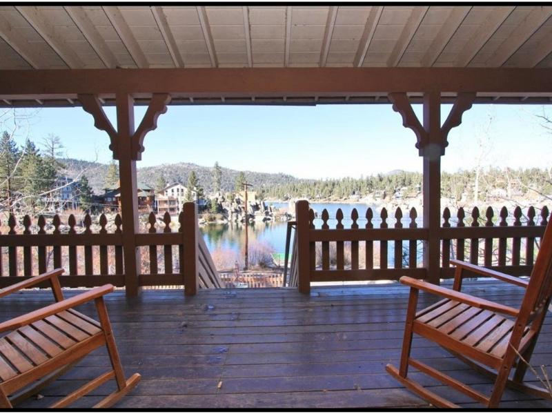 LakeFront Lodge- Sleeps 14, Pool Table and Dock! - Image 1 - Big Bear Lake - rentals