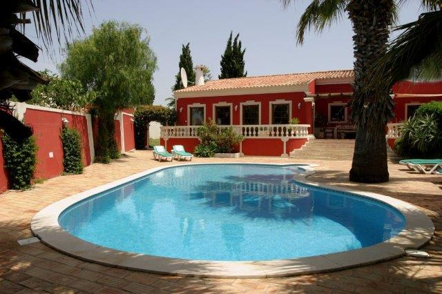 front villa with pool - Villa with private swimming pool in mature garden - Albufeira - rentals