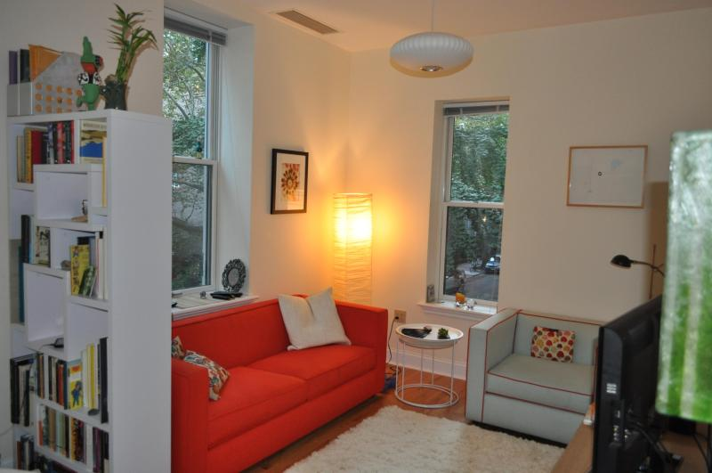 Stylish 1 bedroom in Historic Brooklyn Heights - Image 1 - Brooklyn - rentals