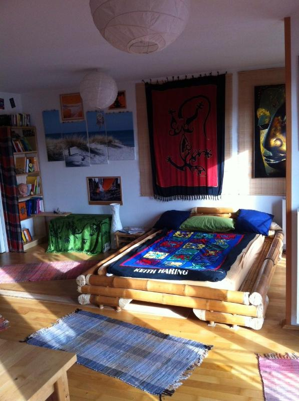 Bali- Bed - BEAUTIFUL:-) Sunny 50m2, Central & Quiet, Balcony - Munich - rentals