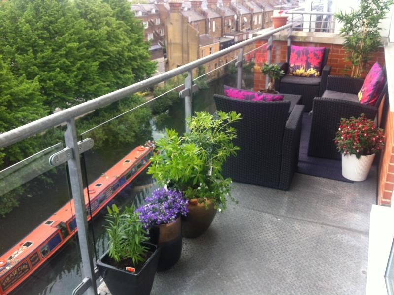 Bright 1 bedroom flat with big balcony. - Image 1 - London - rentals