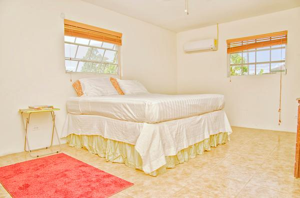 LARGE BED ROOM - Local Bahamian Retreat - United States - rentals
