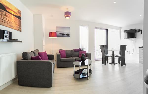Lounge & Dining Area - Luxury Kingfisher Penthouse Cambridge - Cambridge - rentals