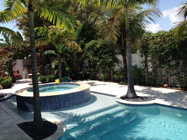 Amazing Private Pool with Spa - Private Beach Home with Pool, Putting Green & Only 100 yards to the Beach - Hutchinson Island - rentals