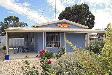 Front of House - Ocean Break Holiday Home - Middleton - rentals
