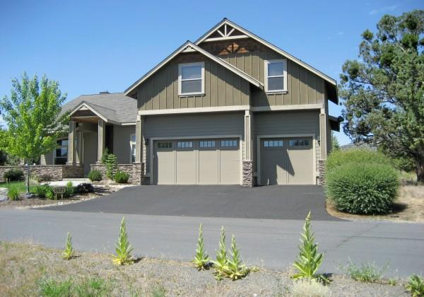 front - Five Bedroom Executive House - Redmond - rentals