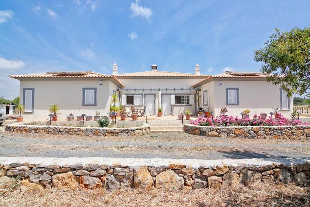 Exterior - Front - 3 bedroom villa, swimming pool, wheelchair friendly - Faro - rentals