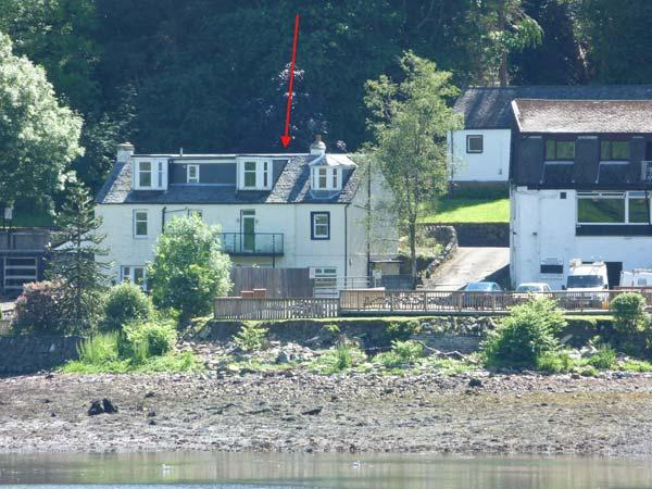 CAIRN VIEW, pet friendly, country holiday cottage, with a garden in Arrochar, Ref 10012 - Image 1 - Arrochar - rentals
