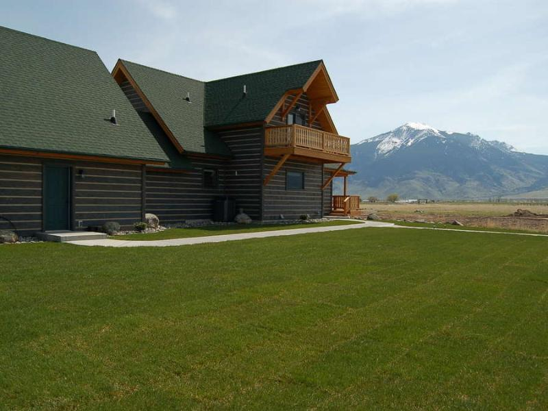 Yellowstone Adventure Retreat - Scenic 360 Views! - Image 1 - Emigrant - rentals