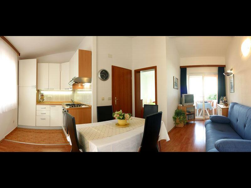 Standard Apartment (2+2) - Image 1 - Supetar - rentals