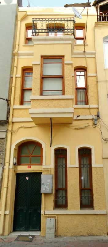 External View - 4 Fl. High House in Old City Of Istanbul, 3-7 pax - Istanbul - rentals