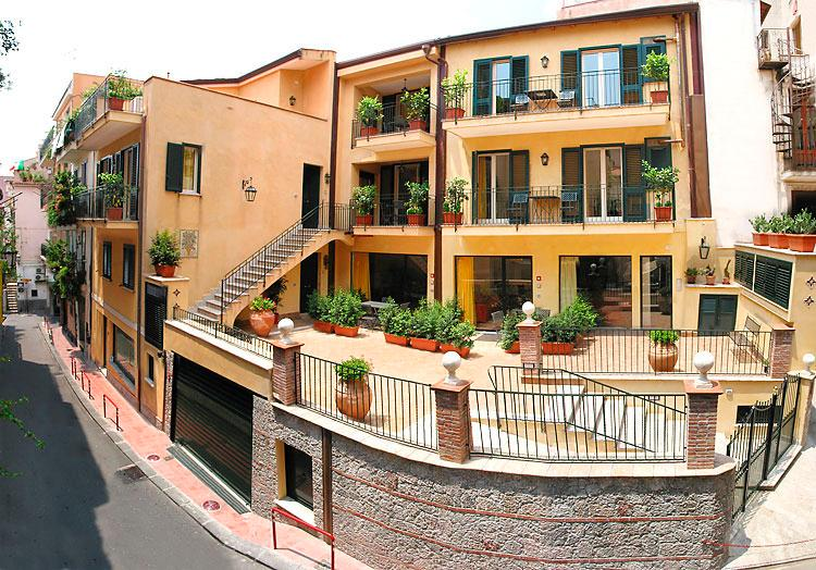 Apt in the center of Taormina with all comforts - Image 1 - Taormina - rentals