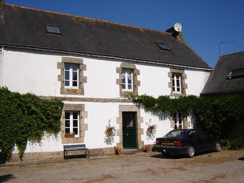 LE PARC FARMHOUSE - Farmhouse 20 mins from beach in Brittany sleeps 8 - Nostang - rentals