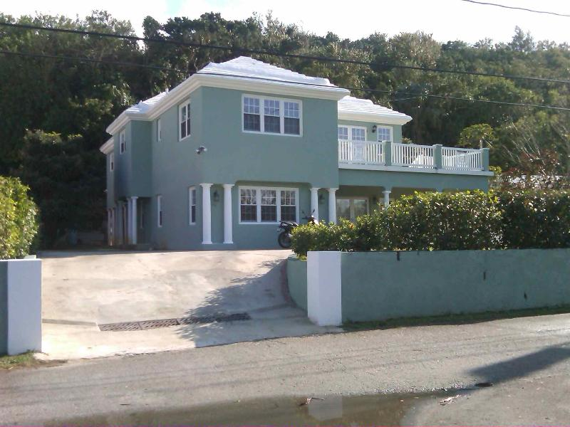 Your Home away from Home - Bermuda Living at a Great Price! - Warwick - rentals