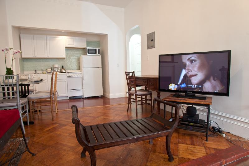 Beautiful 1 Bedroom Apartment By Central Park - Image 1 - Manhattan - rentals