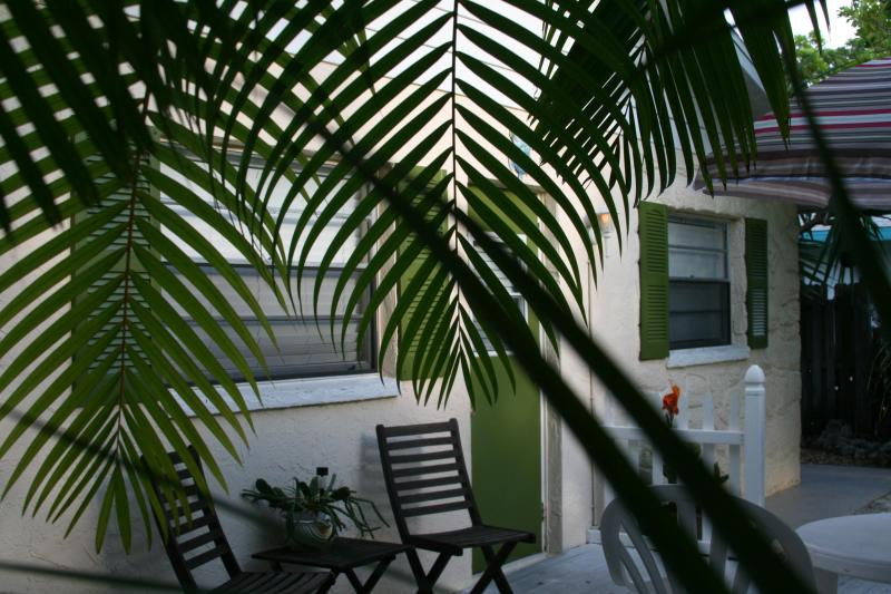 Beach Retreat - Cute Beach Cottage on Anna Maria Island-A Skip to the Beach and Bay - Bradenton Beach - rentals