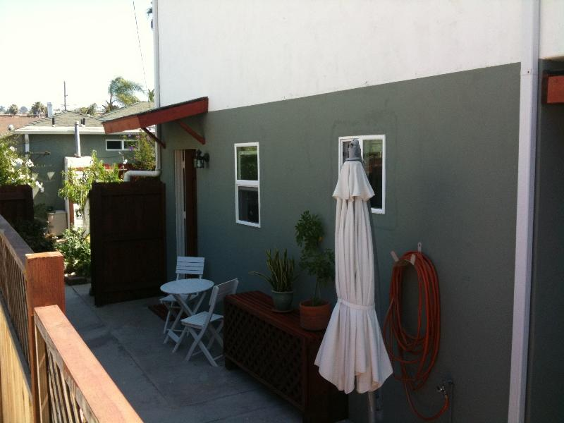 Patio with entrance - 1 bedroom newly renovated 2 blocks from the beach - San Diego - rentals
