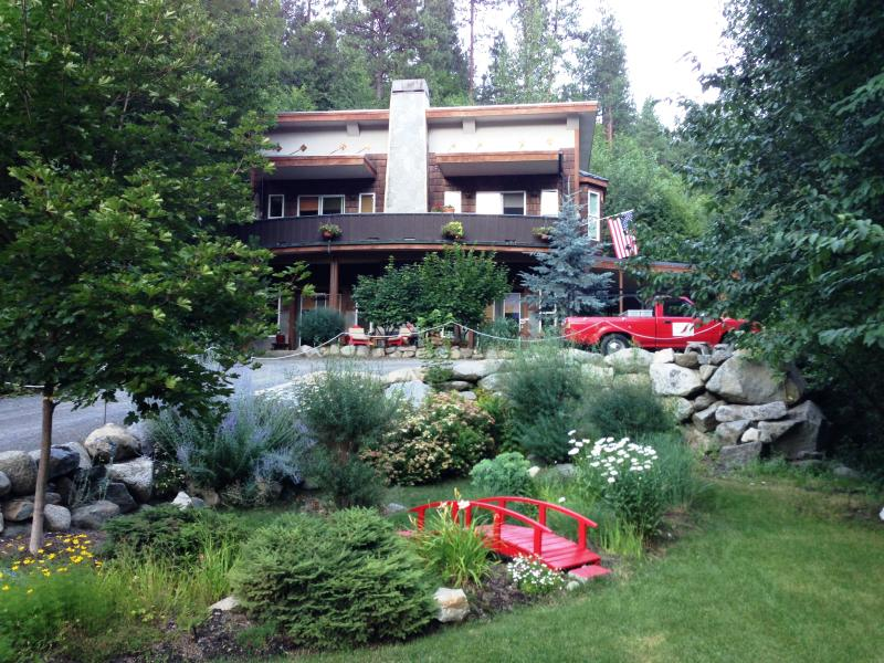 Little Red Bridge to the Red Feather - The Red Feather Suite Auberge - Leavenworth - rentals
