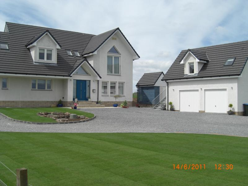 where the studio sits in relation to the house - Studio Apartment - Auchterarder - rentals