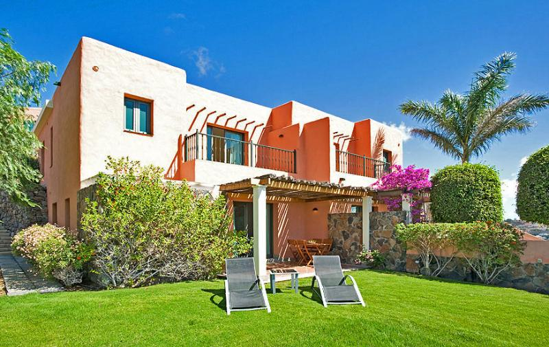Villa with 2 bedrooms and community pool - Image 1 - Maspalomas - rentals