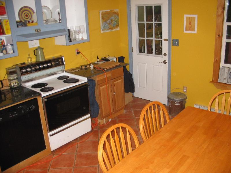 Ranch house less than 2 miles from the beach - Image 1 - Kennebunk - rentals