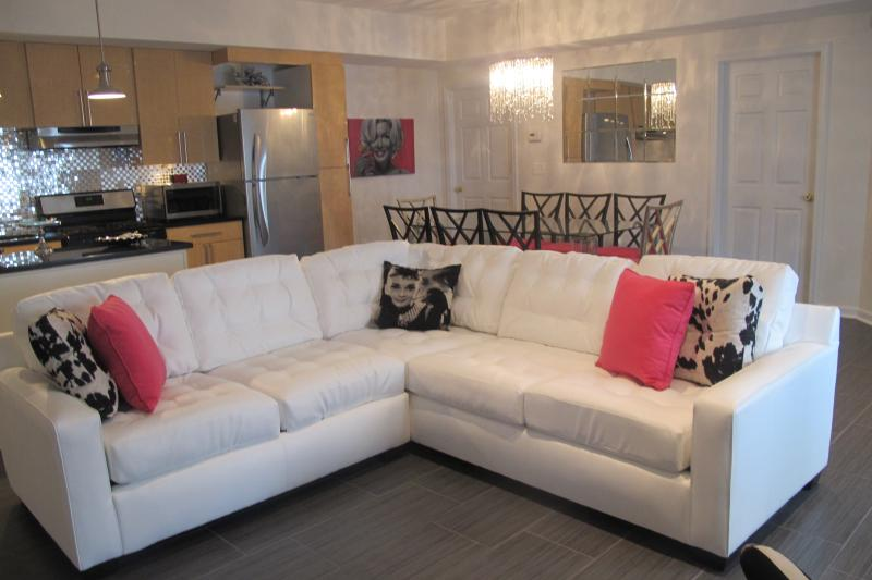 Chic and Contemporary  Open Living Space  - Luxurious Newly Renovated (June 2013) 2 Block To Beach - Wildwood - rentals